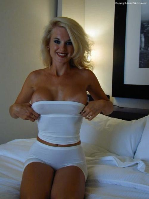 Amazing Blonde Milf
