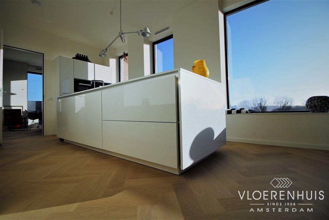 Moderne Visgraat Vloer : Visgraat vloer in een keuken moderne visgraat en een moderne