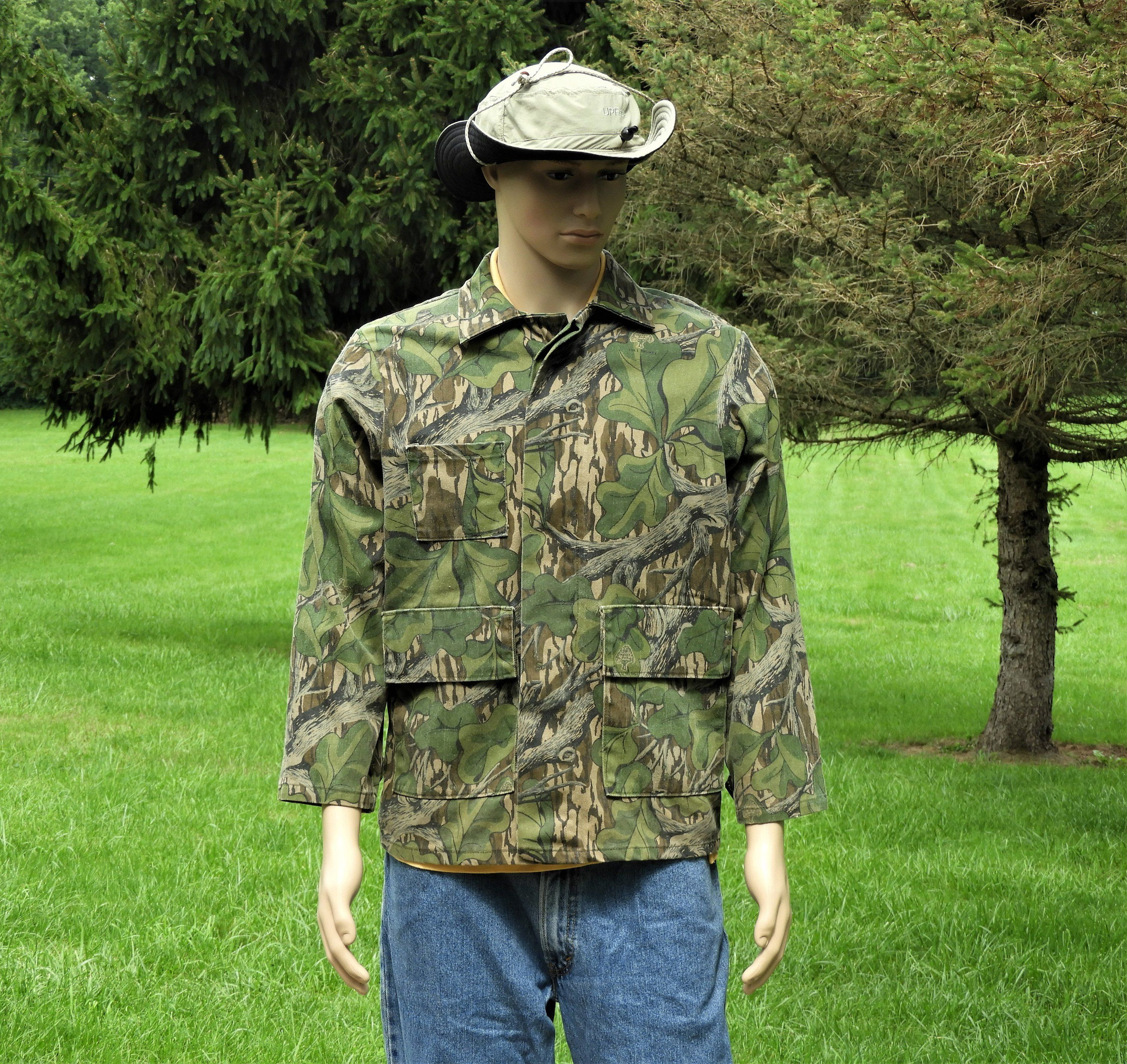 vintage mossy oak collectible large camouflage jacket on walls coveralls camo id=55135