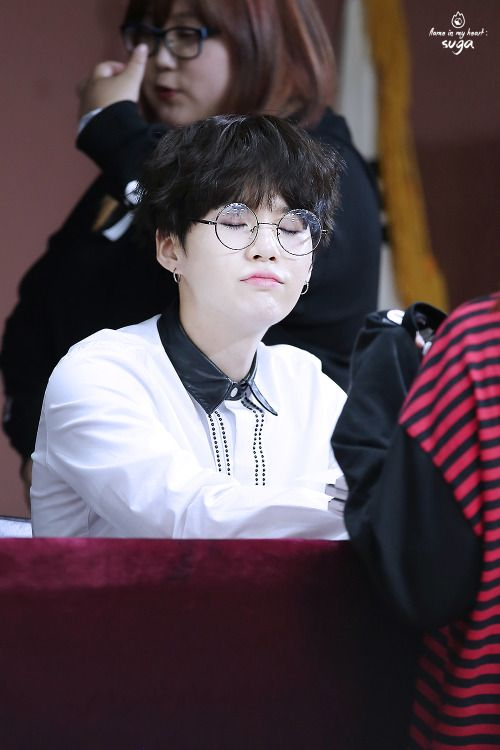 [HD] 161023 BTS Busan Fan Signing © Flame  #Suga #MinYoongi #MinPd Dream... Hope... Keep going ・・・・・☆