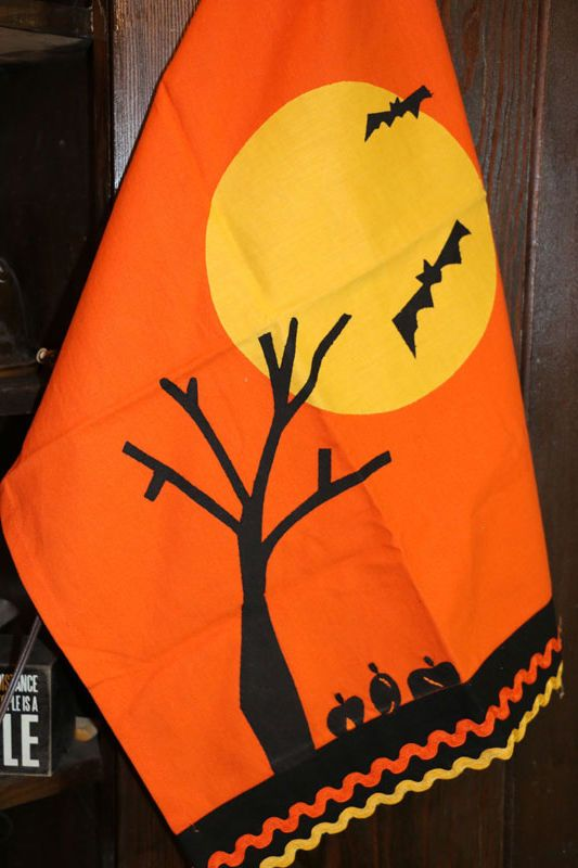Kitchen Towel Halloween Night Vintage Dishtowel By Tag Ltd Black