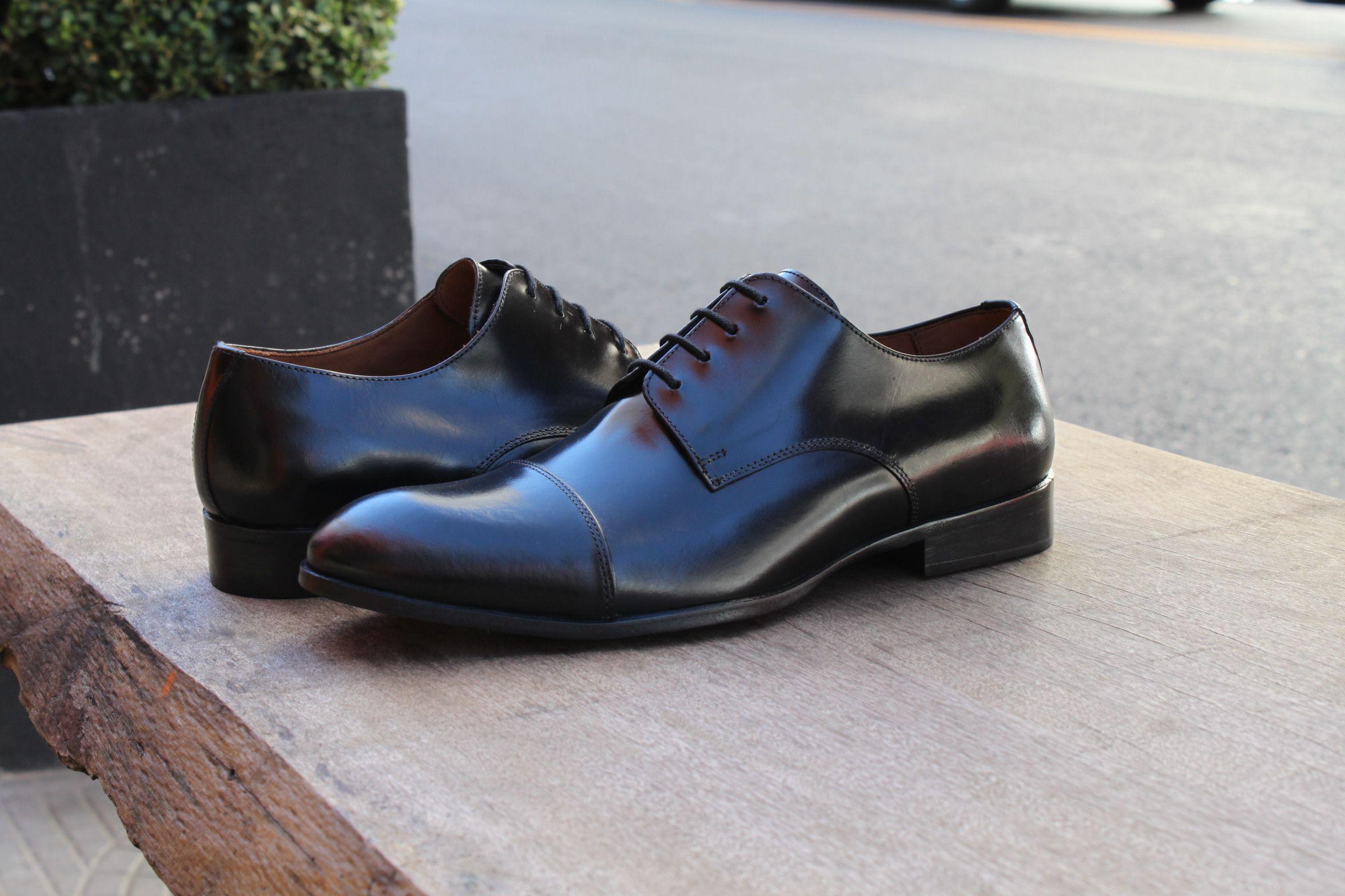 0554bfe53 Sapato Social Masculino Derby CNS Henri em Couro cor Preta, com sola de  couro e