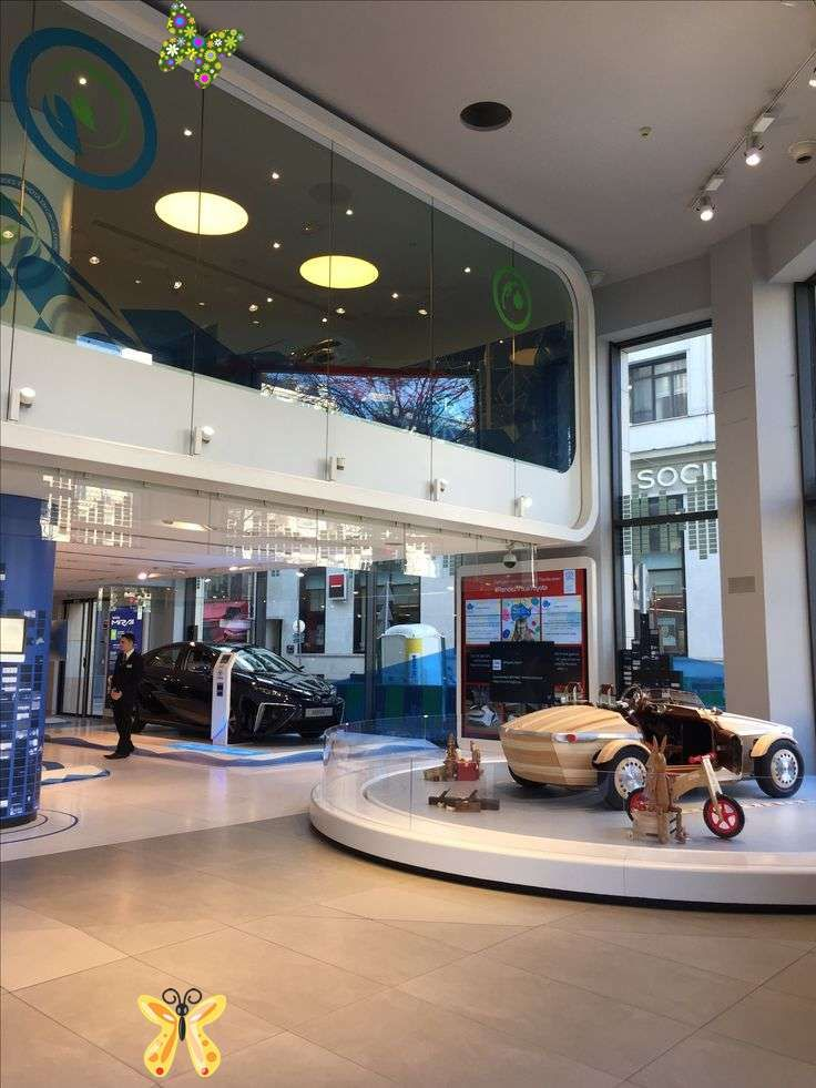 Toyota car showroom Paris in 2020 Car showroom interior
