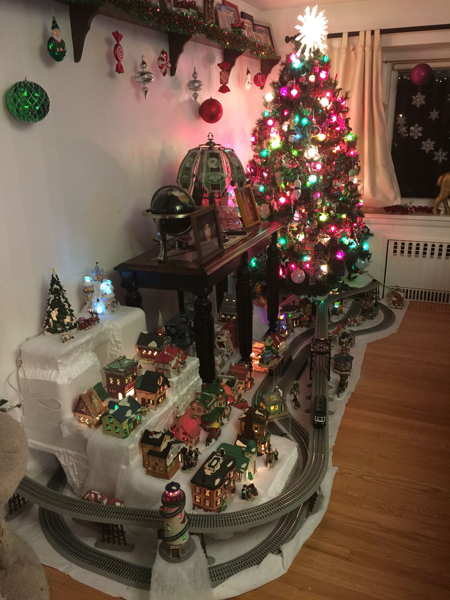 My Christmas Lionel train layout