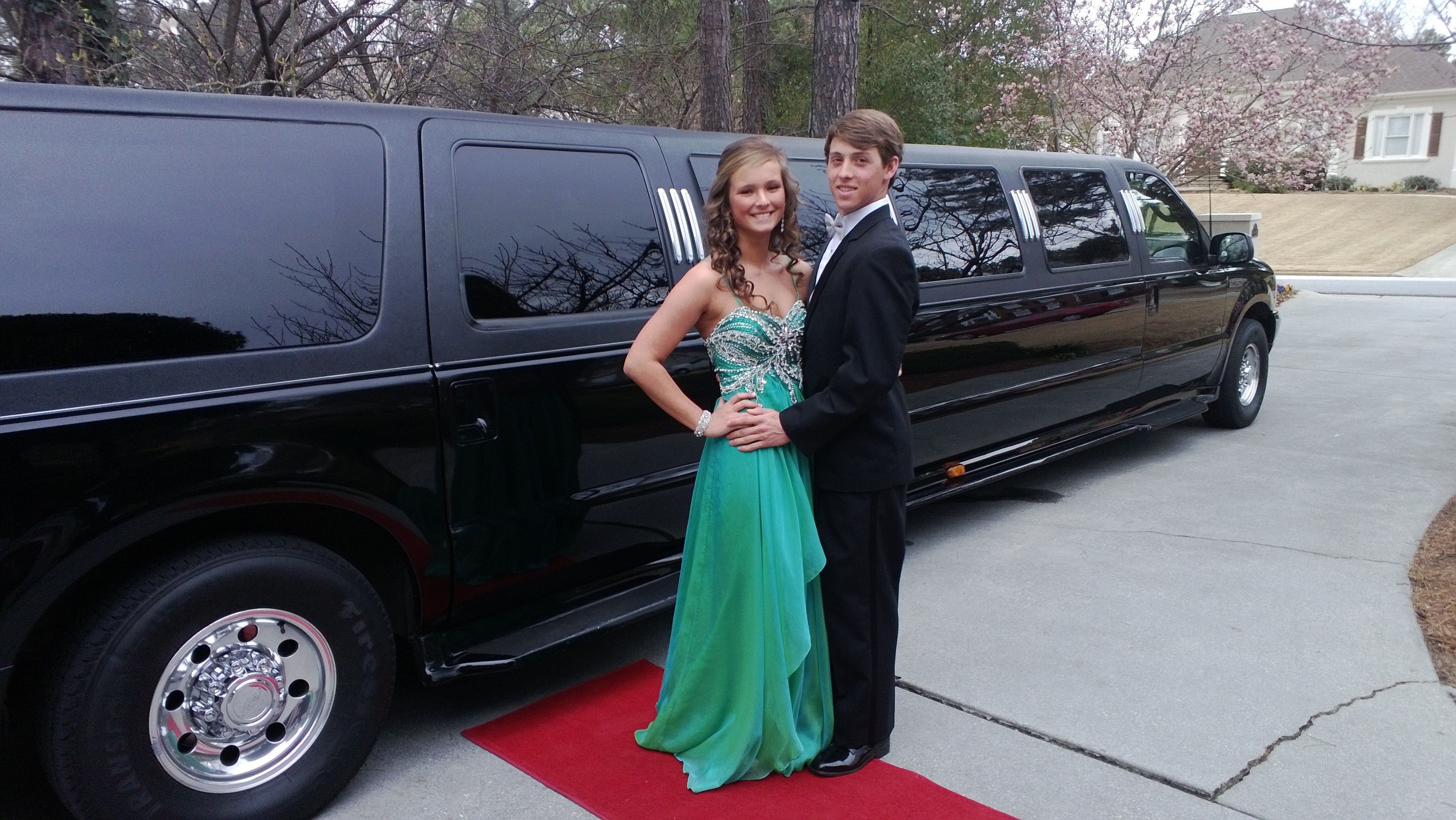Limo Prom Booking A Limo For Prom Service With Xatric Limousine Service