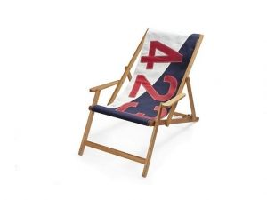 It has been a while, but I just placed a HUGE order for 727 Sailbags stock, all made in France. All products are made with recycled sailing cloth. Lots of fun shopping like crazy for the shop ⛵️⛵️⛵️ #deckchair #teakframe #sailcloth #beachwood #rangeofbagstoo