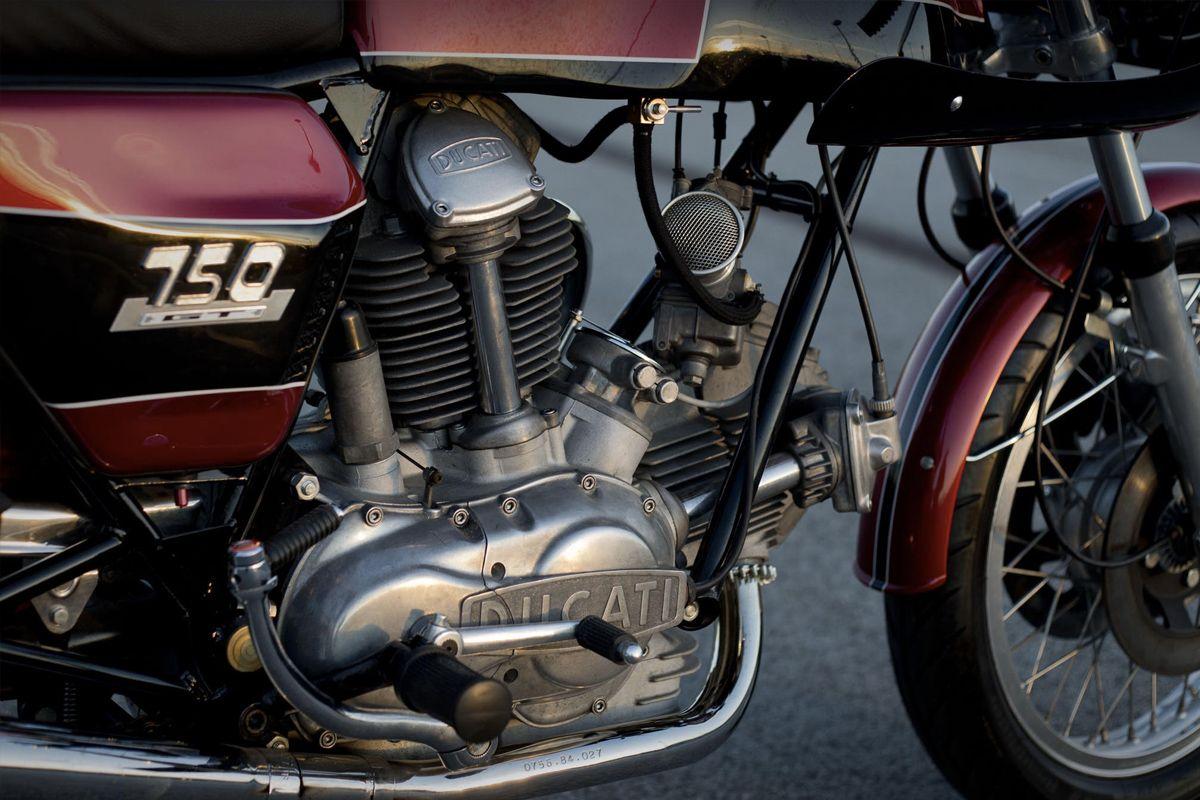Reversible Replica Unikat Ducati Gt750 Ducati Ducati Cafe