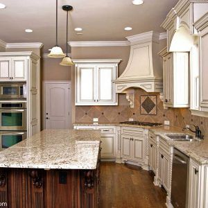 antique white kitchen cabinets with chocolate glaze antique white kitchen cabinets with chocolate glaze   http      rh   pinterest com