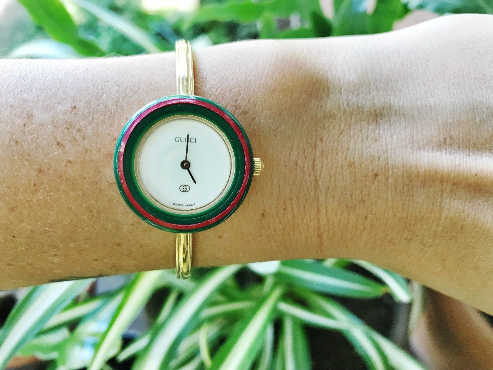 61714620910 Vintage Gucci Ladies Gold Bangle Watch with Bezels And Box