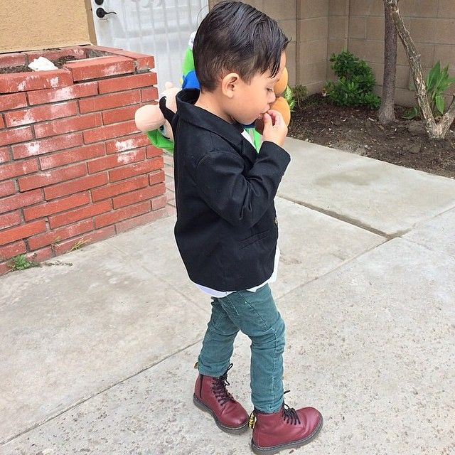 Shop Little Kids Boots & Shoes on the official Dr. Martens website. View popular Dr. Martens like the J Kids Boot, Vonda J Kids Boot, and null in a variety of leathers, textures and colors. Shop by Style. Boots (13) Shoes (10) Shop by Price.