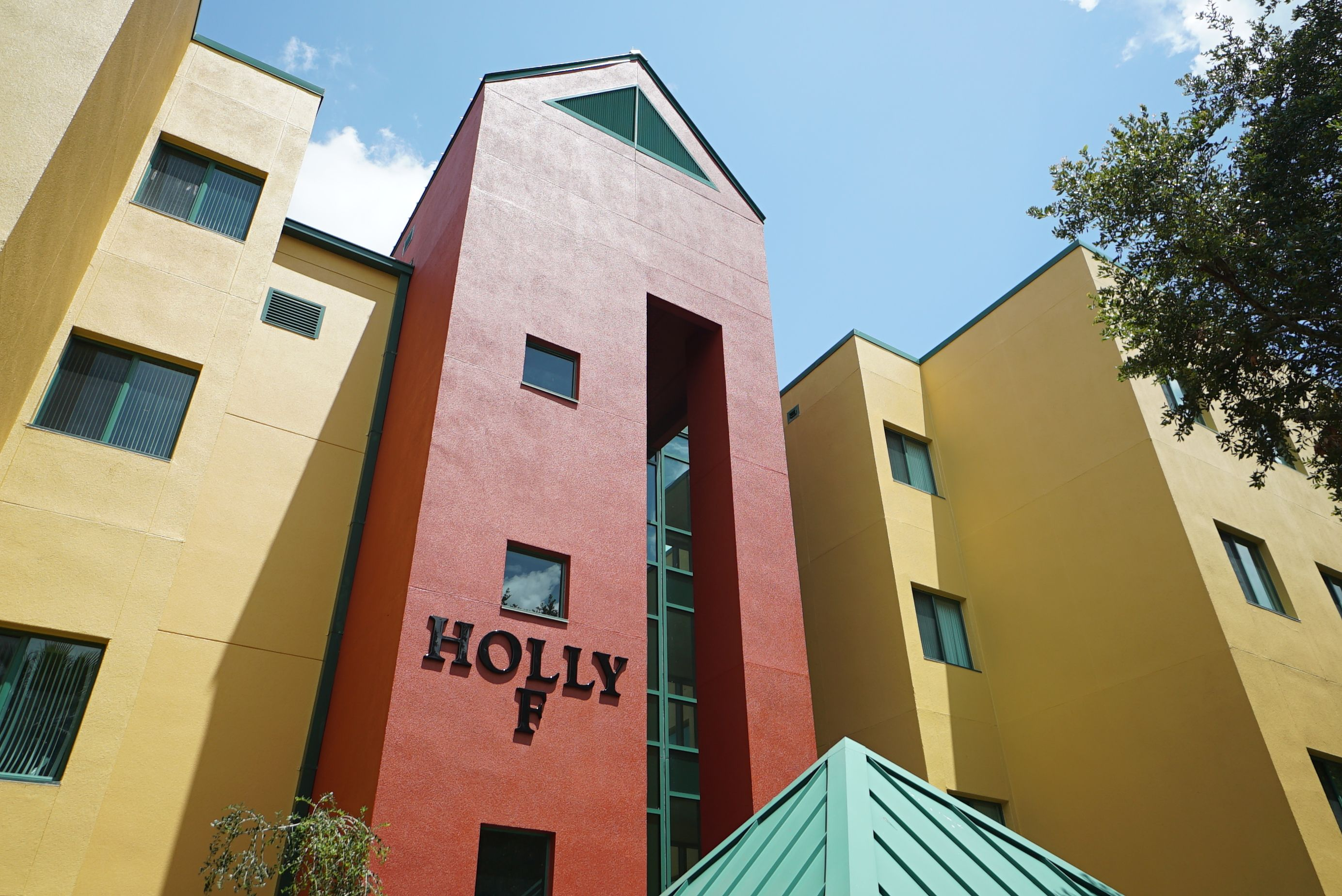 Holly Apartments