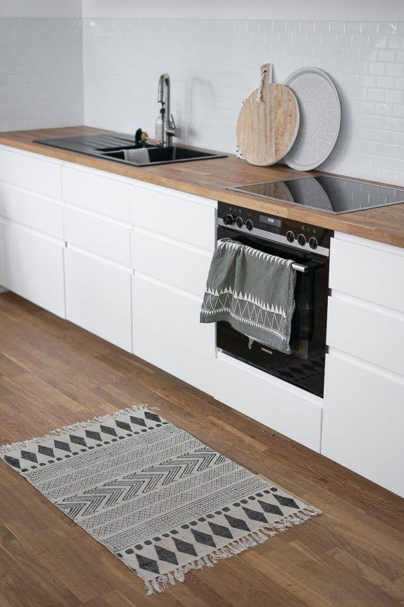 Photo of Parete posteriore della cucina in piastrelle Metro per il popolare look Scandi