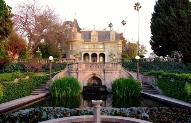Kimberly Crest House And Gardens In Redlands Ca Redlands Mansions Beautiful Living Rooms