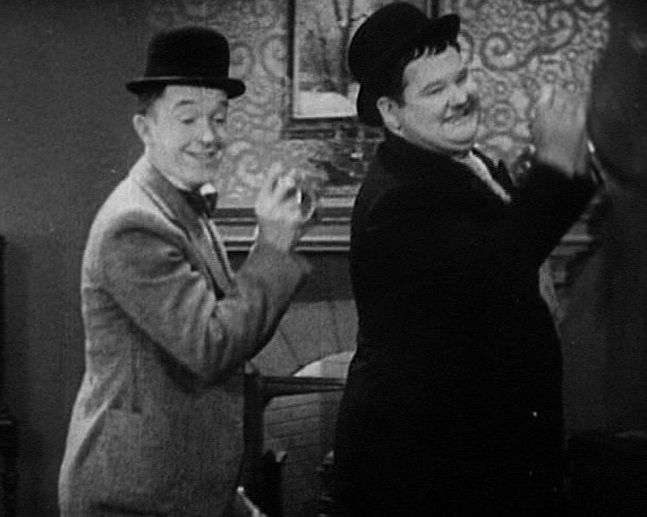 Laurel and Hardy - Come Clean (Stan Laurel & Oliver Hardy) Classic Comedy
