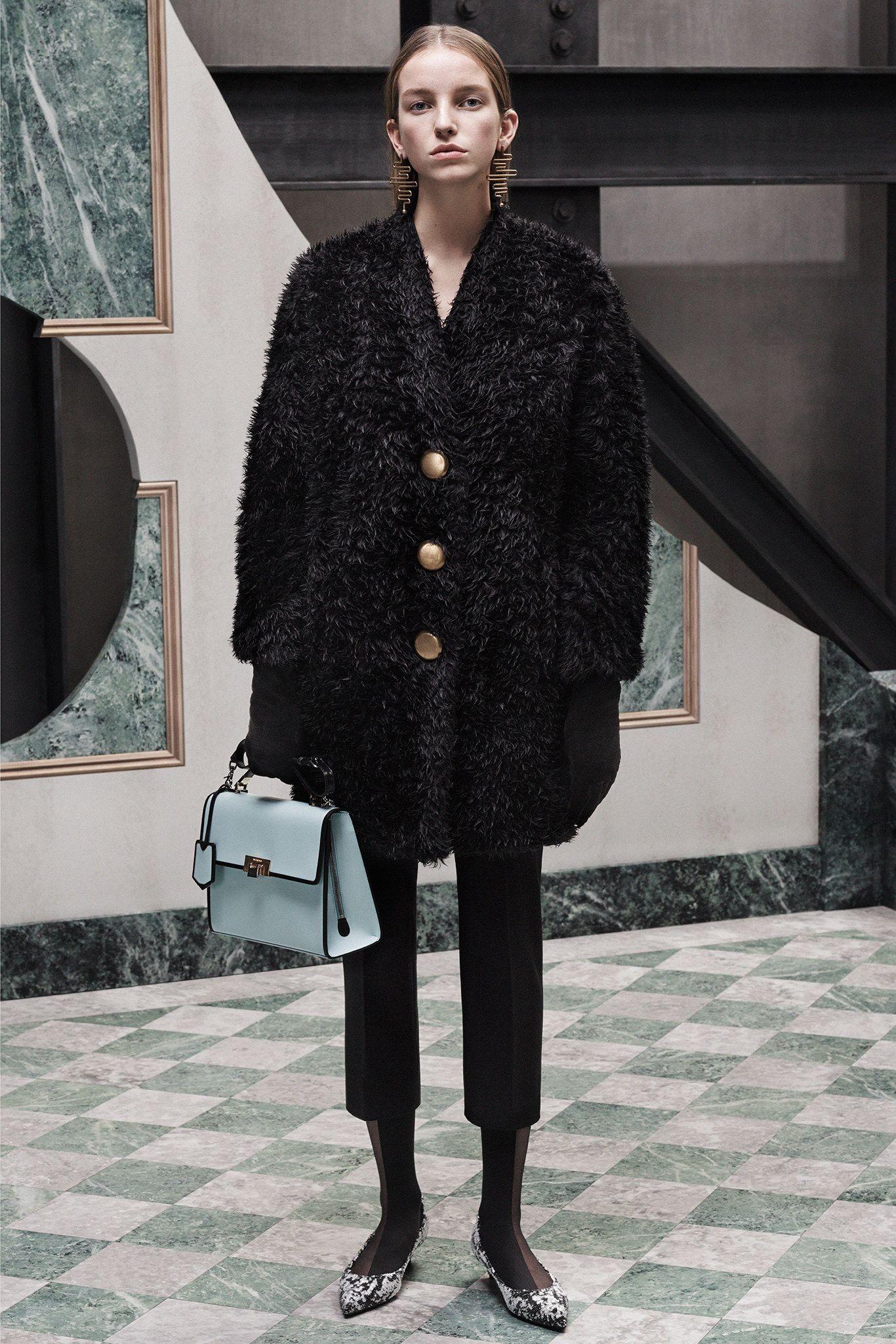 Balenciaga Pre-Fall 2015 Fashion Show