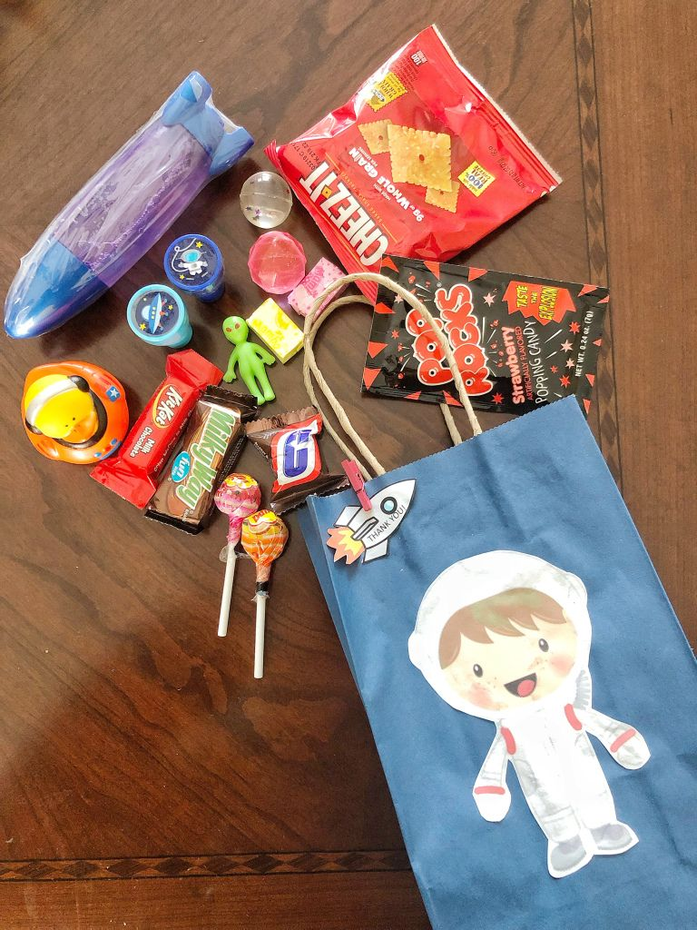 DIY Outer Space Party favor bag astronaut