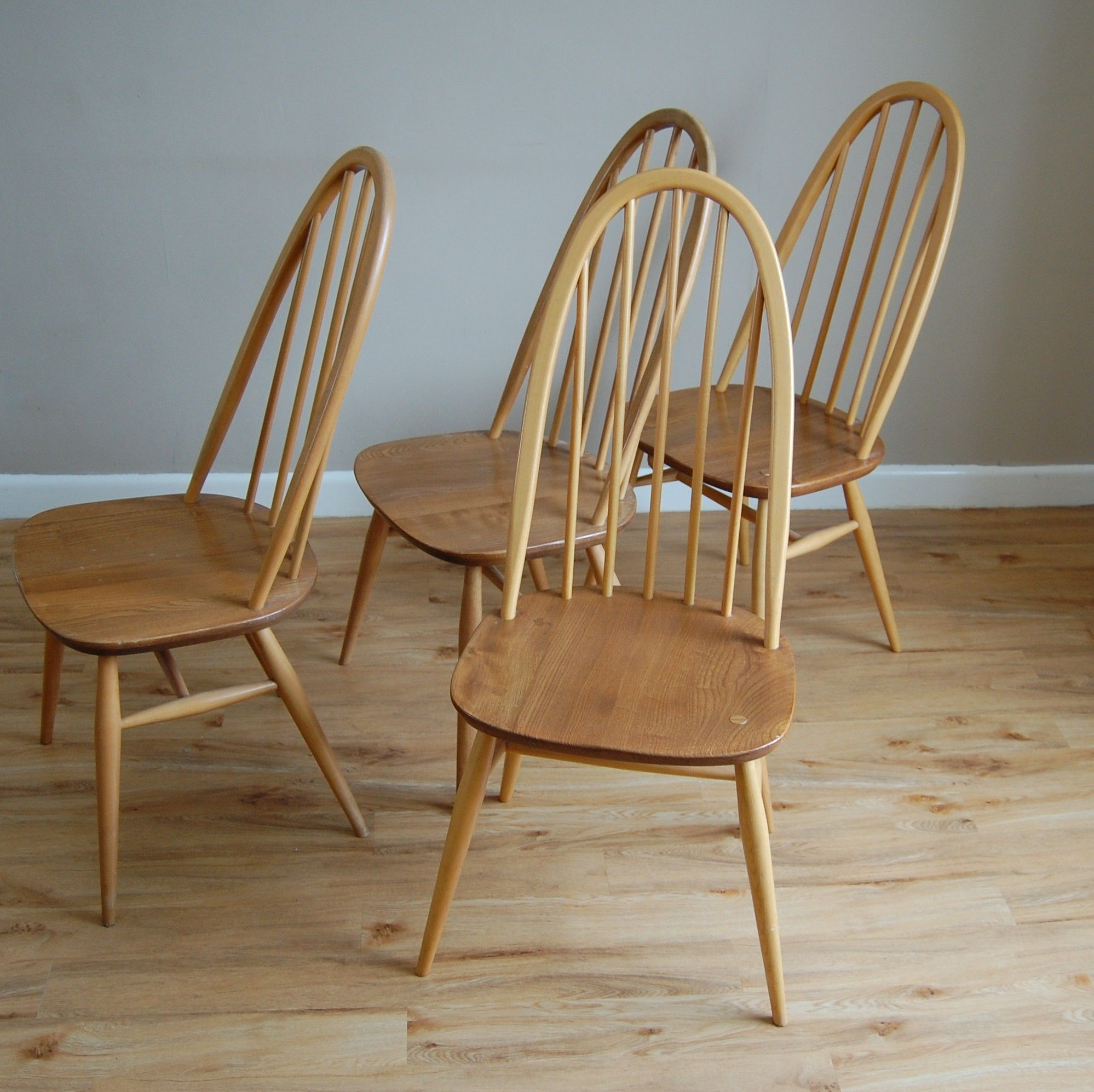 Ercol Windsor Quaker High Stick Hoop Back Dining Chairs In A Light Elm