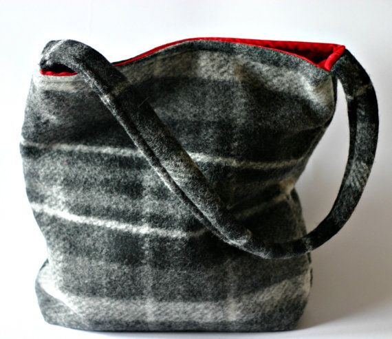 Black and grey wool tote bag with inside in red cotton