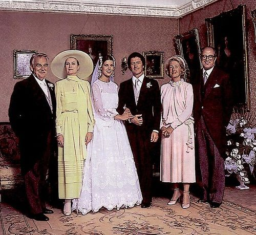 June 29, 1978 - The marriage of Princess Caroline of Monaco and Philippe Junot. Her parents, Princess Grace, née Grace Kelly, and Rainier, are by her side.