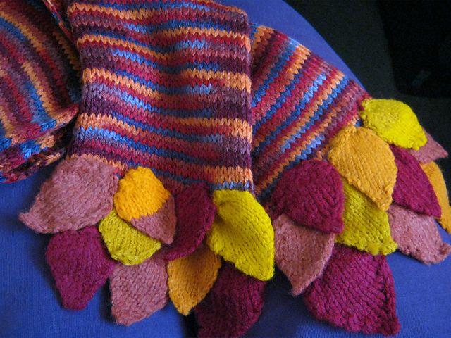 Ravelry: Falling Leaves Scarf pattern by Penny Ollman | шали,варежки ...