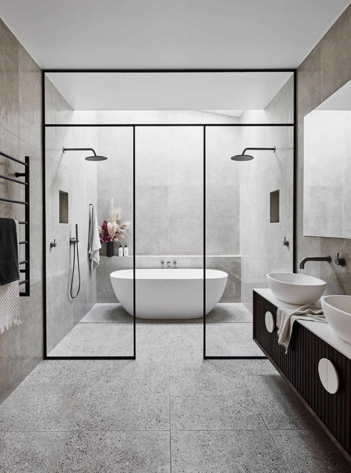Large Bathroom With Wetroom Large Contemporary Bathroom With Wetroom Black Tapware Archi In 2020 Modern Small Bathrooms Large Bathrooms Master Bathroom Design