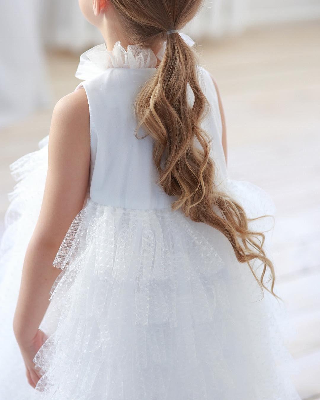 daaf44edf49d Воздушное платье с рюшами из нежного фатина, юбочкой в пол ,мягкой стойкой  и застежкой