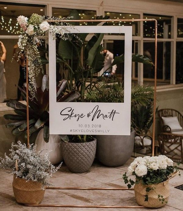 16 Amazing Wedding Photo Booth Backdrops For 2019 Trends