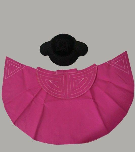 Capote Torero Infantil de ZiNGS confeccionado con la tela del capote  taurino profesional. Se presenta 4f76e3d8f89