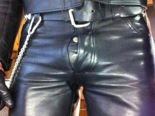 http://leather-cum-pig.tumblr.com/image/145399916964