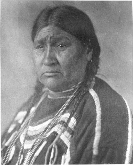 Mrs. Reevis - Blackfeet (Pikuni) - no date or location or her original name
