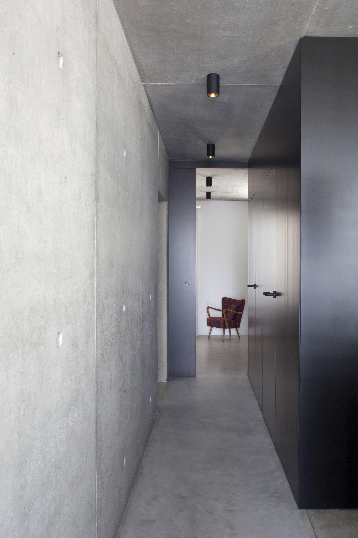 Projet D Amenagement Interieur D Une Maison D Habitation Privee Au Luxembourg Mobilier Sur Mesure Structure En Beton Vue Bathtub Bathroom