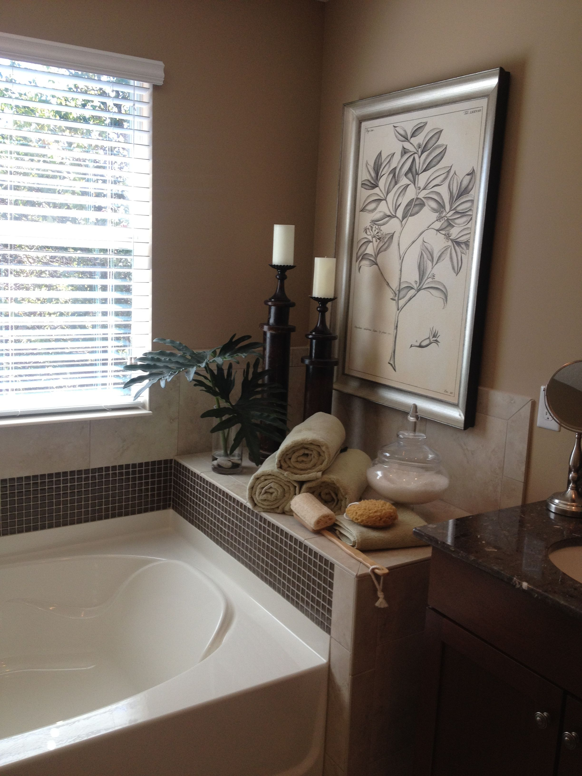Master Bathroom , decor around tub