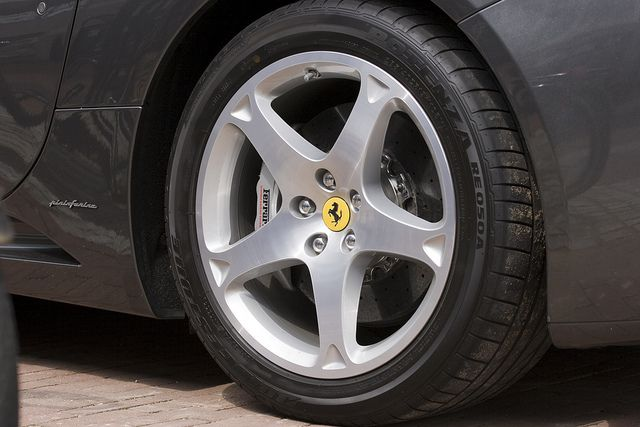 Ferrari California wheel