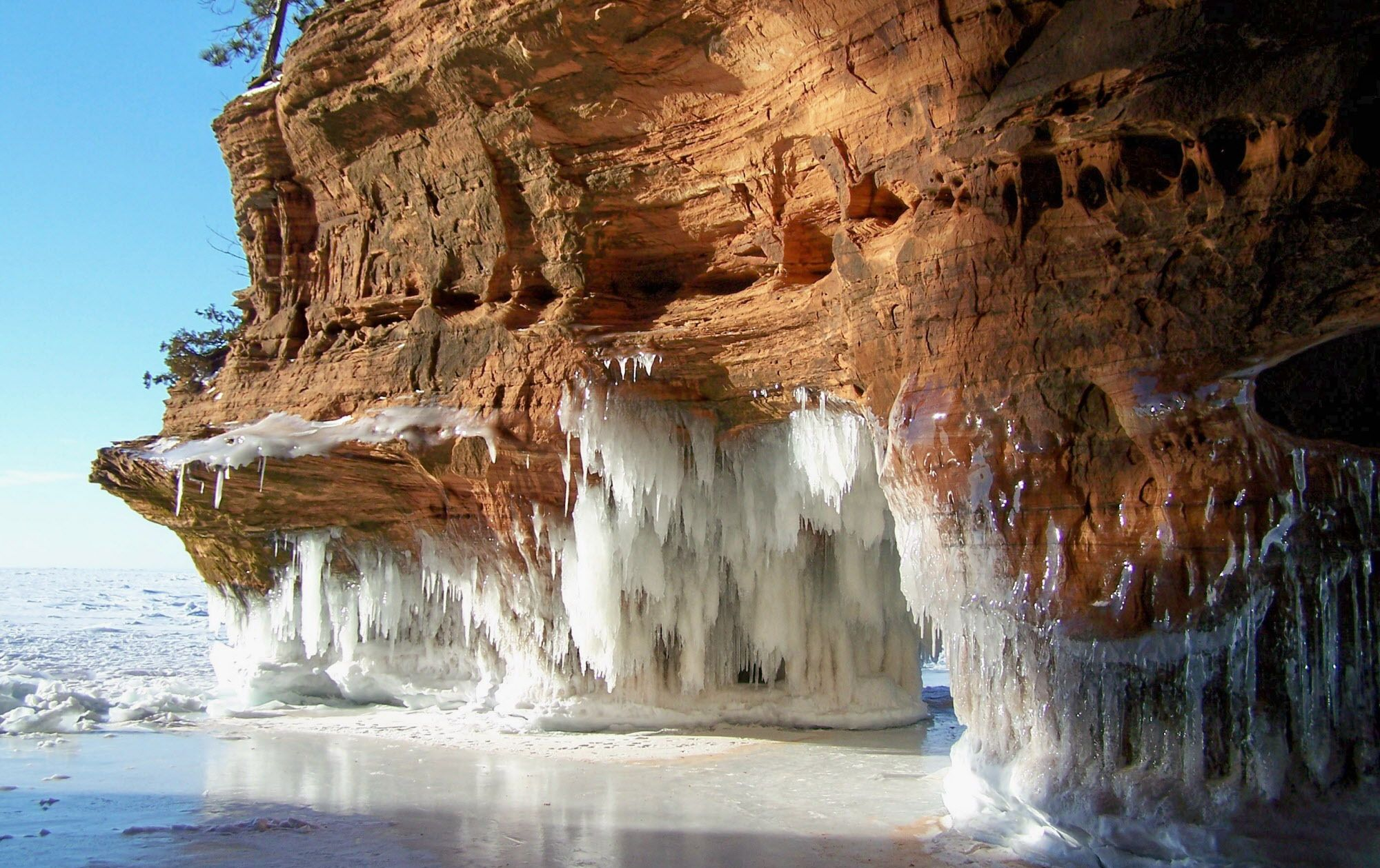 Apostle Islands National Lakeshore 39 S Mainland Sea Caves 1 Mile Trek Across Frozen Lake To