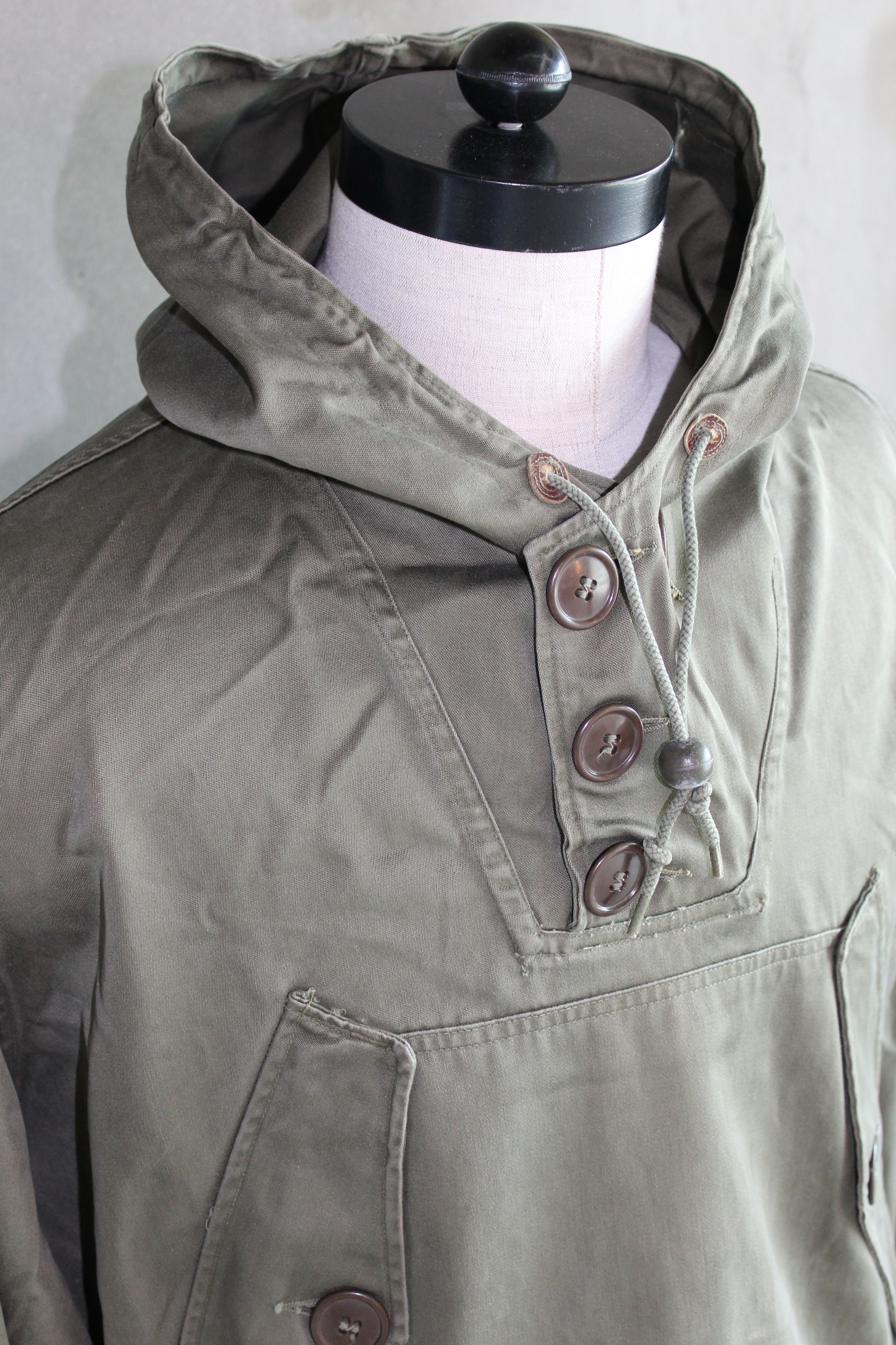 a10cc14b42ef2 Detail, US army M43 parka, dated 1948. | Vintage (Military) in 2019 ...