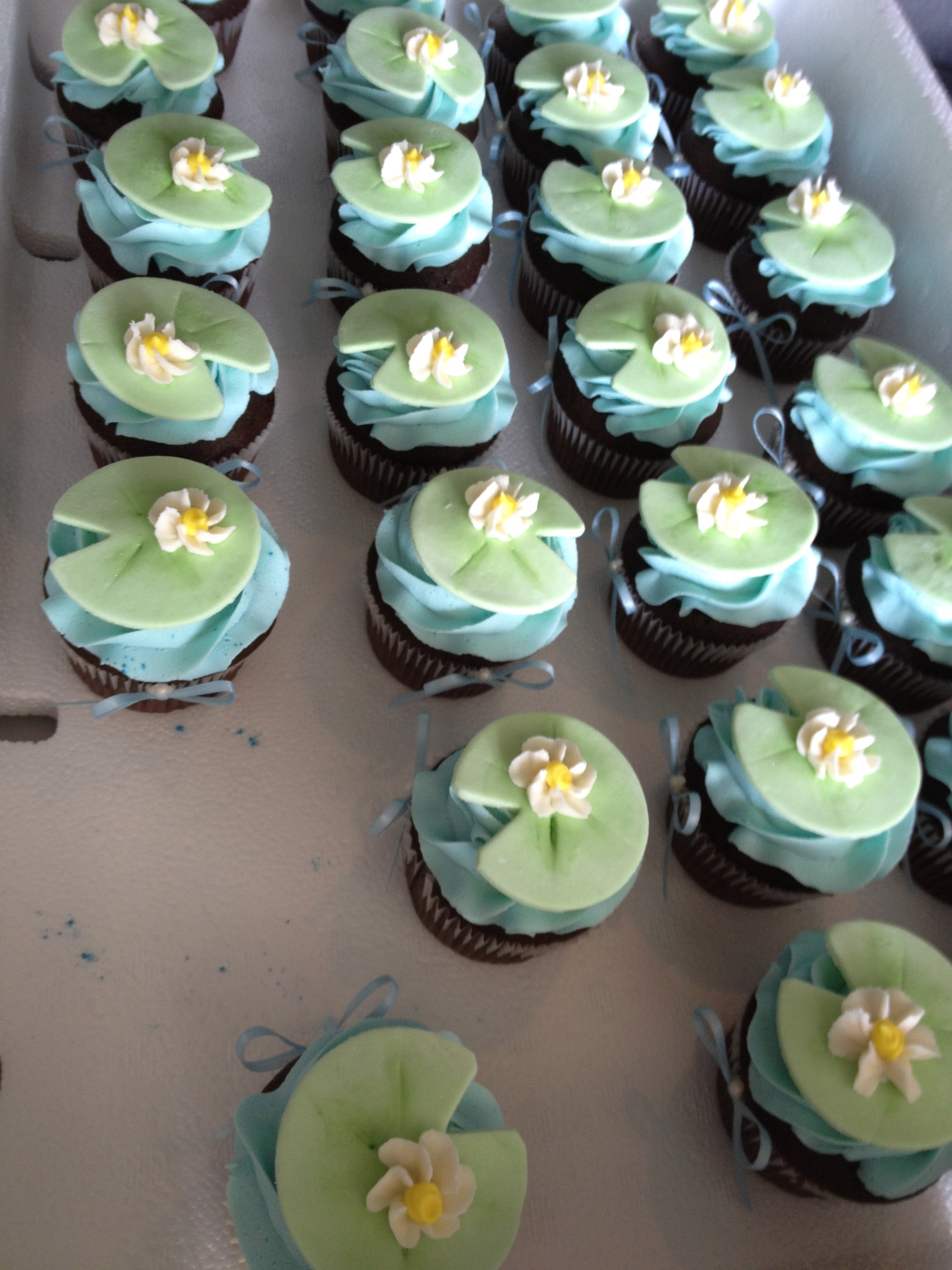 Lily pad cupcakes cupcake cakes sweet treats let them