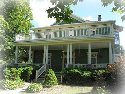 Door County Wisconsin Bed And Breakfast Lodging Colonial Gardens