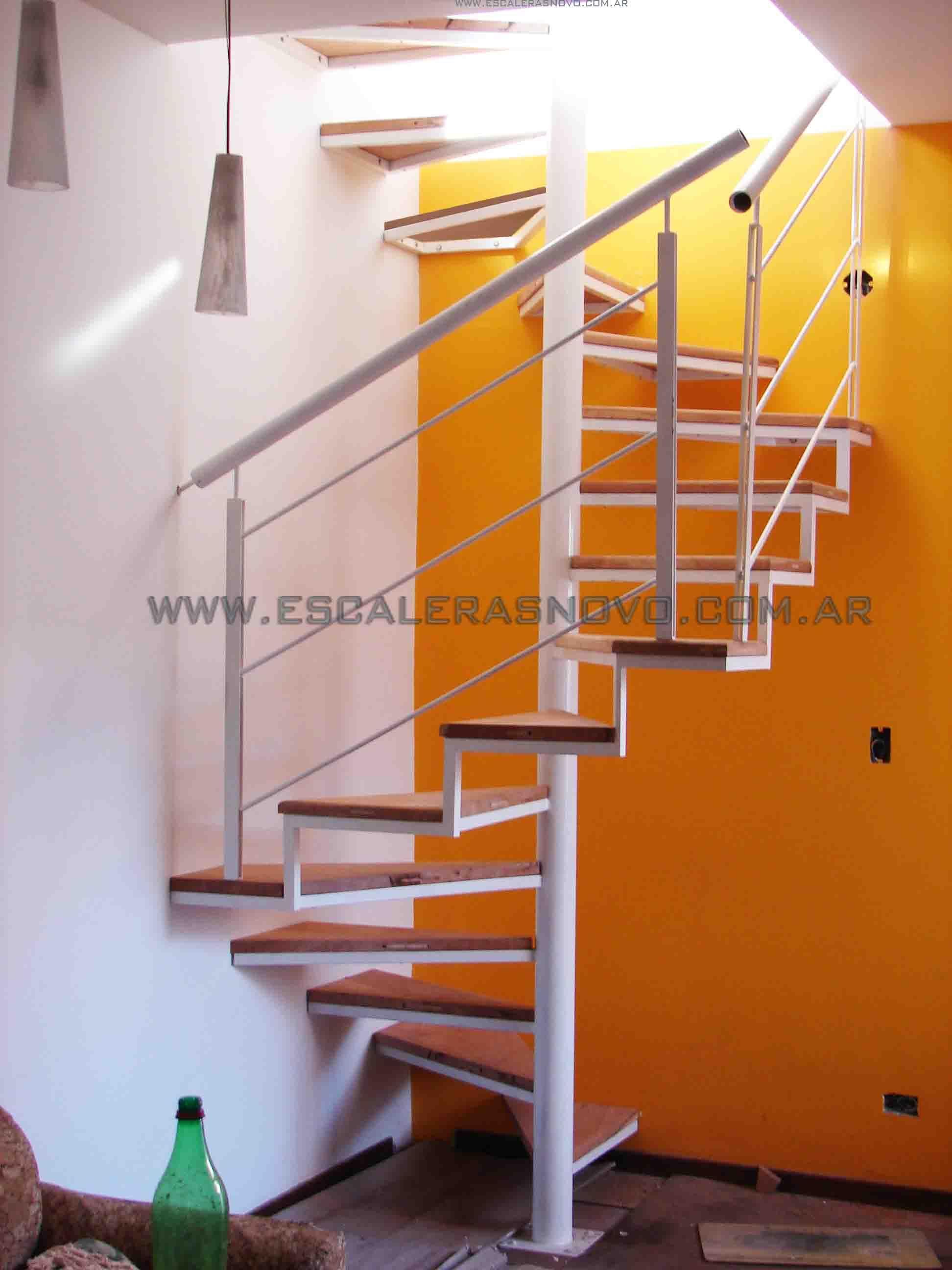 Escaleras caracol cuadrada deco pinterest escalera for Gradas metalicas para casas