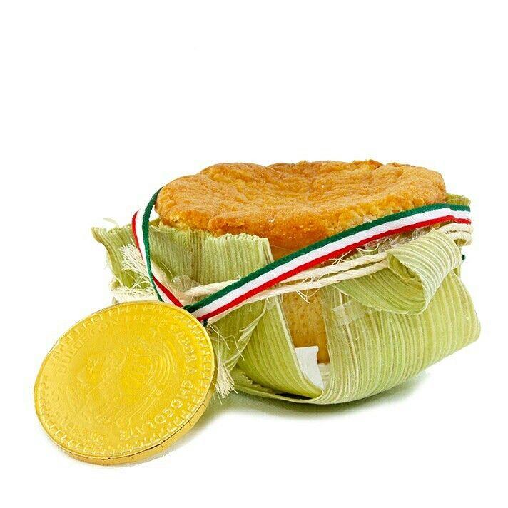 Cupcake Elote  Nuestro producto estrella el Cupcake de elote, un delicioso postre para tu noche mexicana. Receta exclusiva de Xauki y decorado artesanalmente con hojas de elote y listón de mecate. Un detalle simple, elegante y ¡de temporada!.
