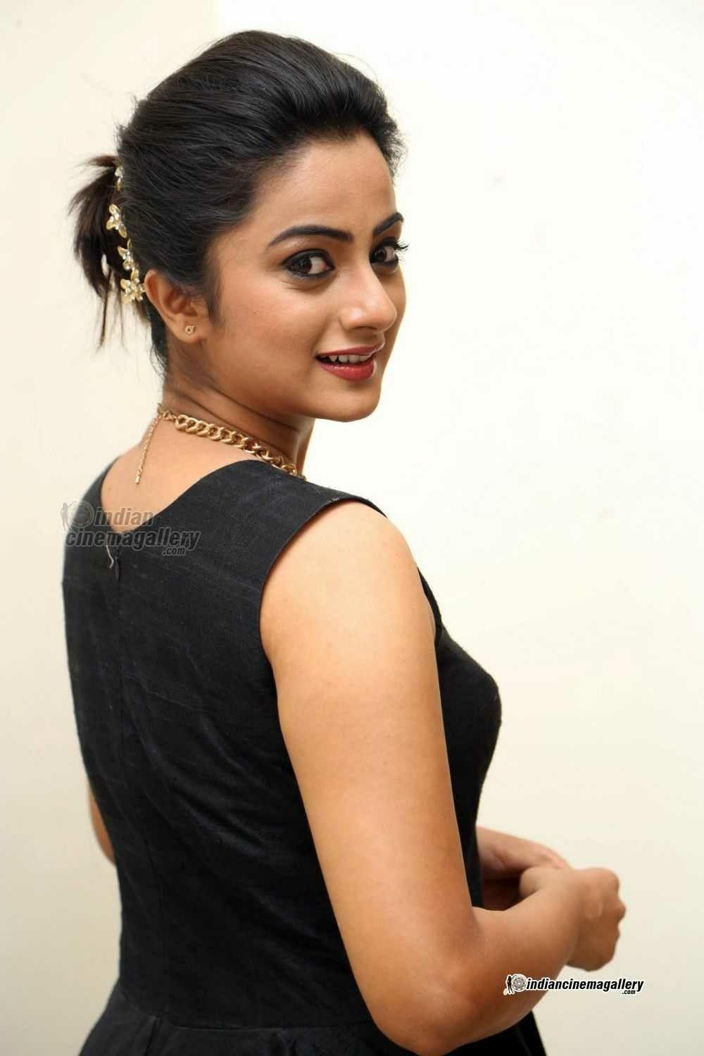 Pin by Sixface on Namitha pramod | Indian actress hot pics ...