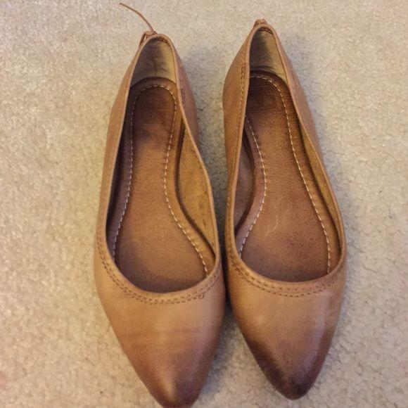 Frye Flats Worn a few times like new! Frye Shoes Flats & Loafers