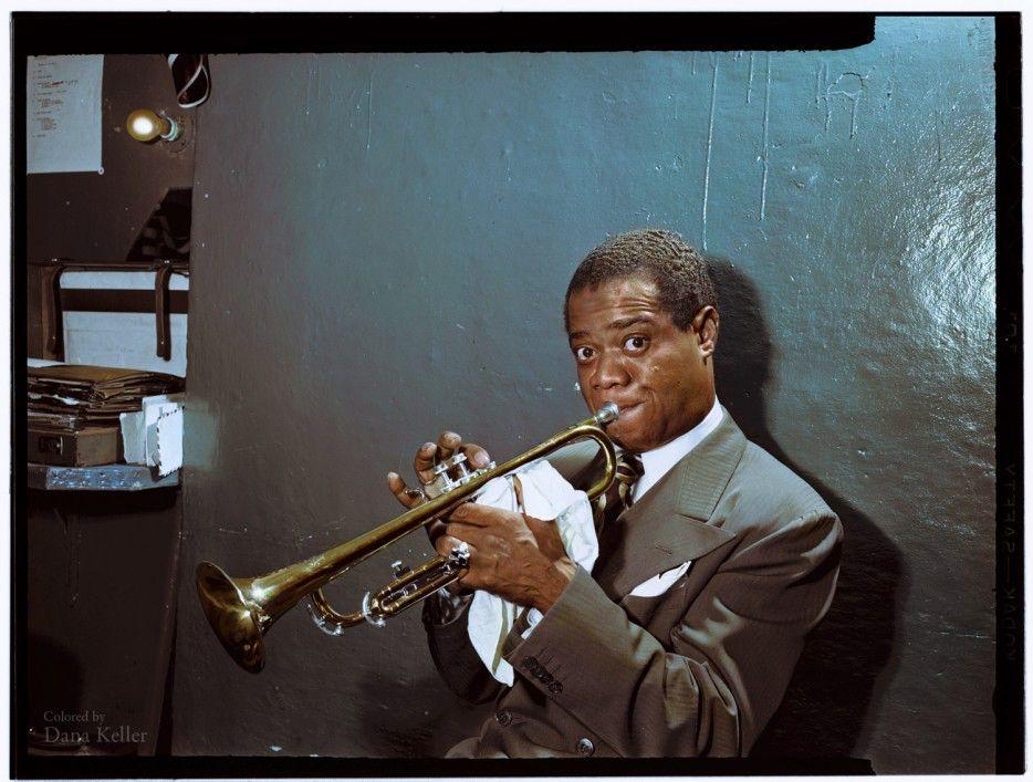Louis Armstrong, né le 4 août 1901 à La Nouvelle-Orléans en Louisiane et mort le 6 juillet 1971 à New York, également connu sous les surnoms de Satchmo ou Pops, est un musicien américain de jazz.