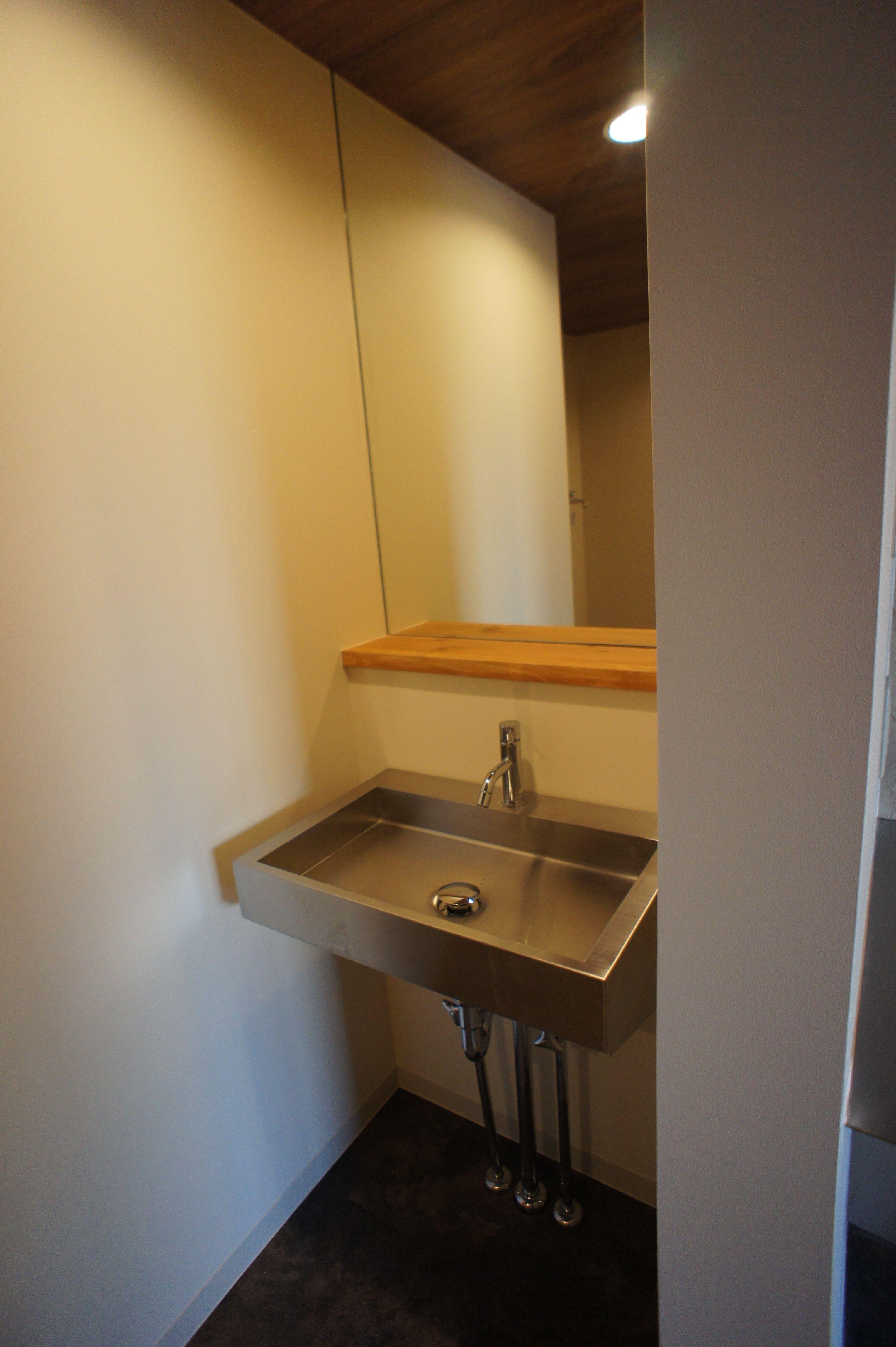 ステンレス製の洗面台 洗面台 シャワールーム 家