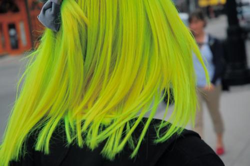 Future Girl, Yellow Hair, Alternative Girl, Futuristic Look, Neon Hair, Toxic Girl, Neon, Future Street Fashion, Hair Style