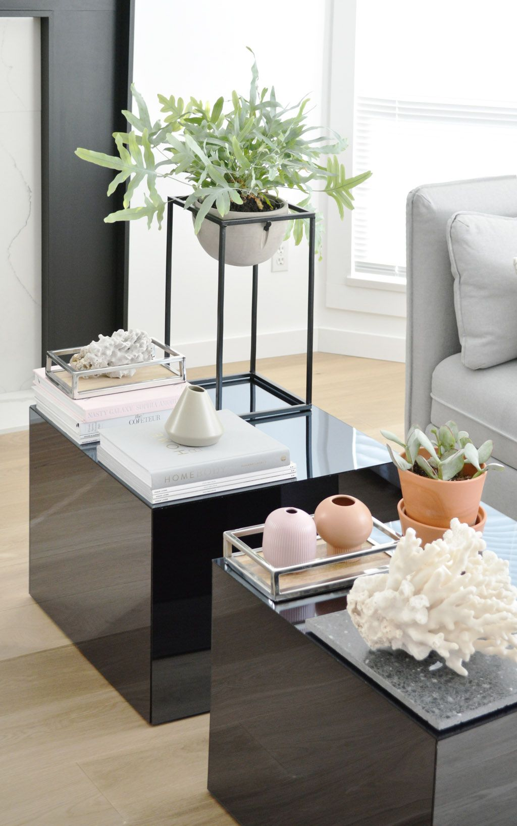 Plexiglas Couchtisch Diy Mirrored Coffee Table Plexiglas Ikea Hack Interior