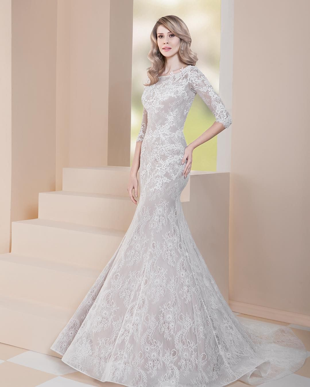 Girls wedding dress  Farletta