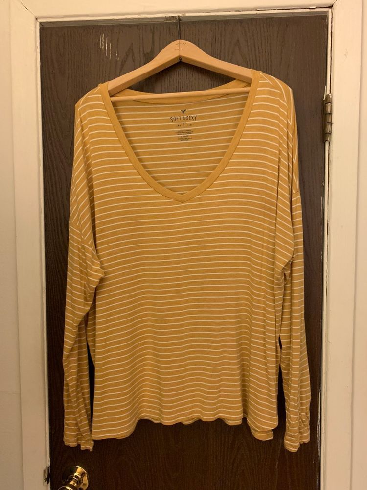 American Eagle - Soft   Sexy V-Neck Striped Long-Sleeve Tee - Size ... 667b28beb