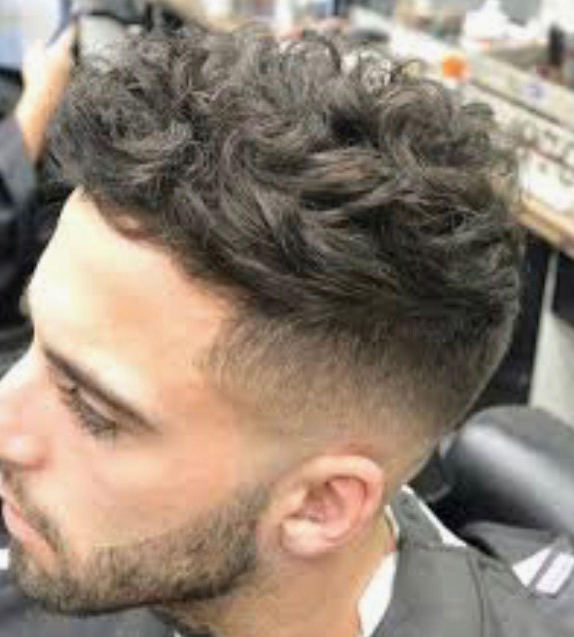 Pin De Kevin Cornejo En Peinados En 2020 Cabello Ondulado Hombre Peinados Pelo Rizado Hombre