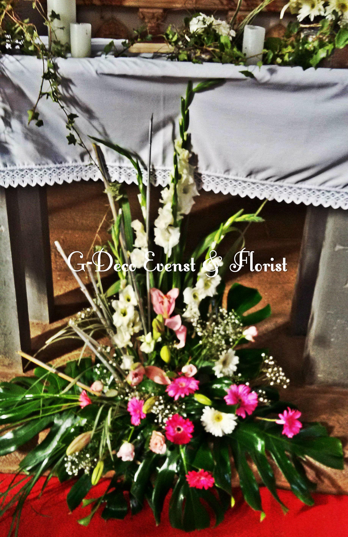 Bouquet Devant L Autel Fleurs Rose Gerbera Lily Glaieul