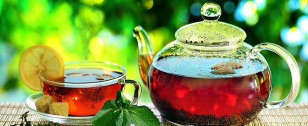 Yağ Yakıcı Çay Tarifleri,Yeşil çaylı mate çayı tarifi.Malzemeler4 çay kaşığı kuru mate yaprağı, 3 çay kaşığı kuru yeşil çay, 2 çay kaşığı kekik ve 1 çay